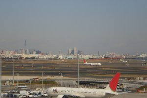 Taxiing Planes at Haneda