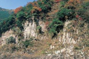 Sheer cliffs at Kaochidani