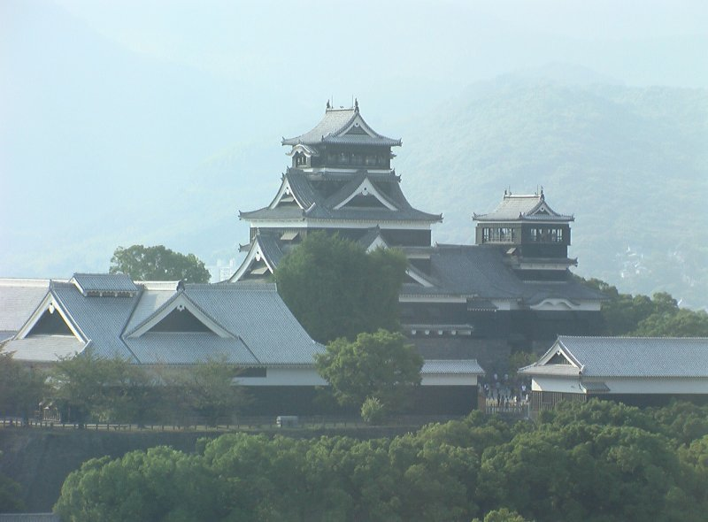 <p>Presidential Suite room has an amazing view of Kumamoto Castle</p>