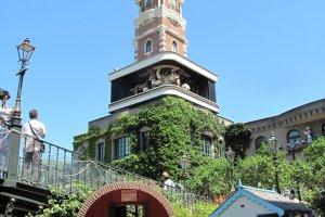 หอนาฬิกาซัปโปโรแห่งสวนชิโรอิ โคอิบิโตะ