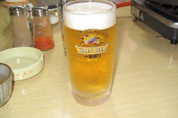 <p>อาซาฮี เบียร์สัญชาติญี่ปุ่น</p>