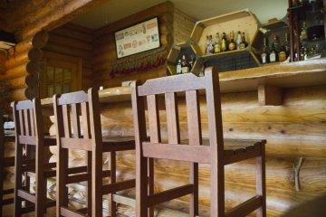 <p>Master craftsmanship created this bar</p>