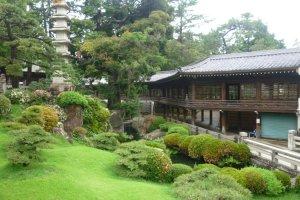 Behind the Buddhist half of Tokokawa Inari is a splendid garden