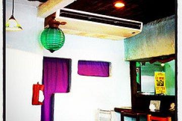 <p>Lion Curry Interior</p>