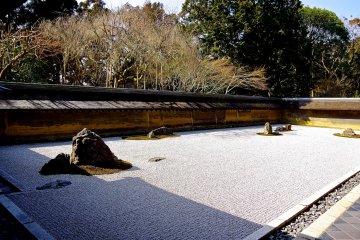 료안지 신비의 바위와 모래정원
