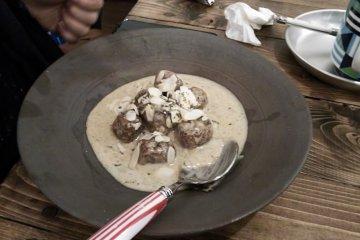 <p>Konnyaku meatballs in a gorgonzola sauce.</p>