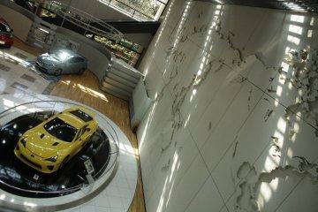 <p>Inside Toyota Kaikan Exhibition Hall</p>