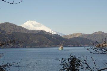 Ashinoko Lake and Mt. Fuji!