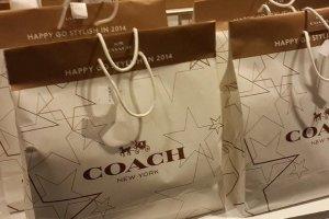 Lucky Bag ของแบรนด์ดังอย่าง Coach