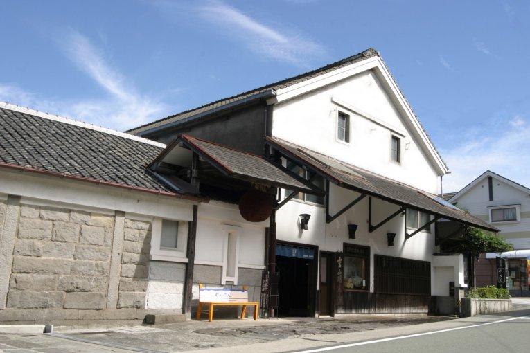 """Для желающих местного сакэ Кумамото """"Рэйдзан"""" путь лежит в Такамори!"""