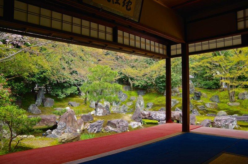엔토쿠인 북쪽 정원