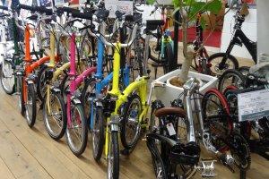 จักรยานพับได้ยี่ห้อ BROMPTON สีลูกกวาด