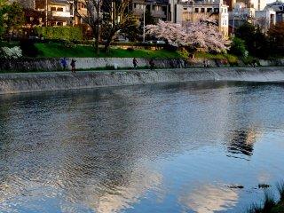 黃昏時分的鴨川