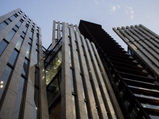 ตึกด้านหลัง Cartier, Omotesando.