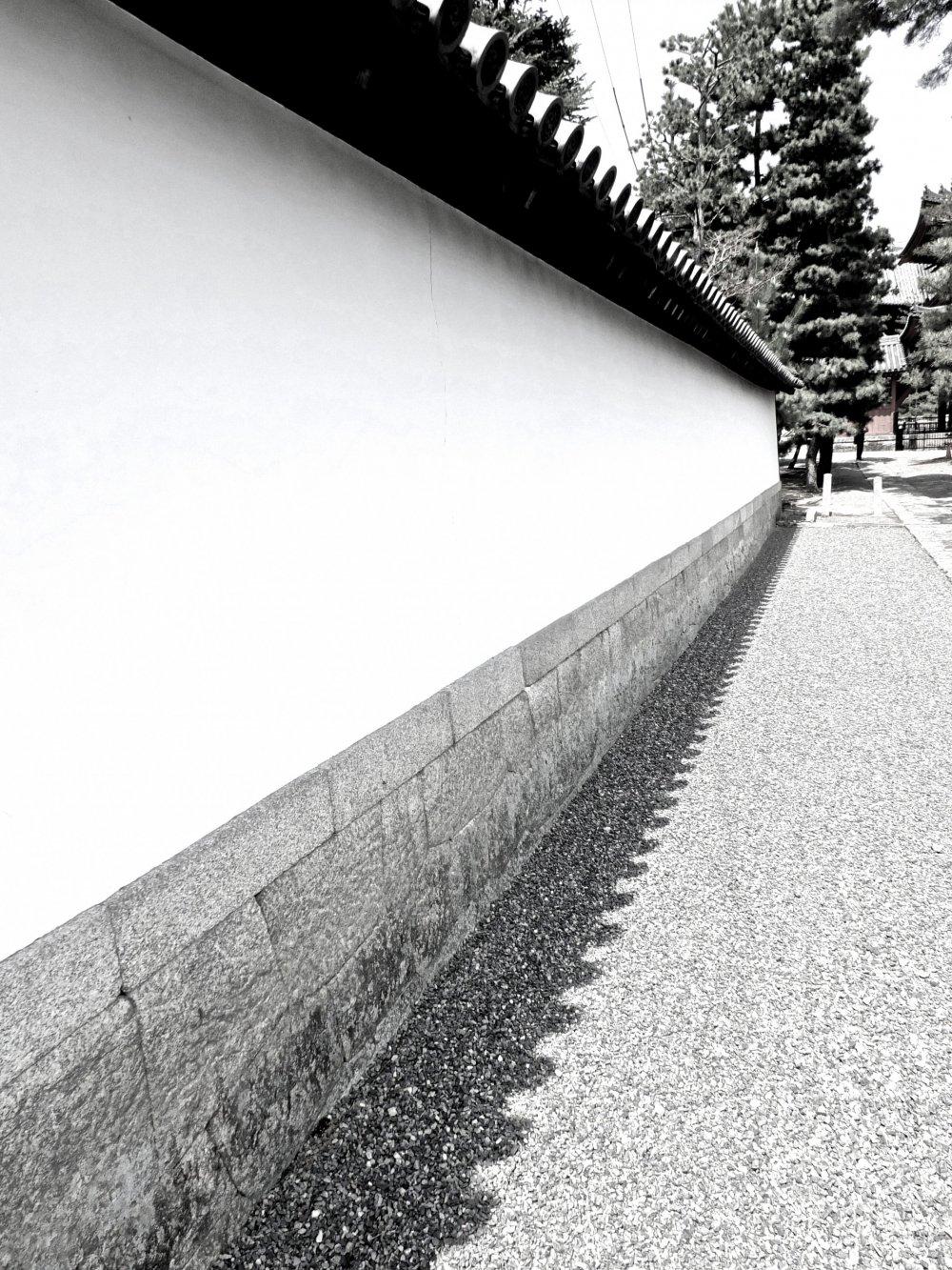 Внутренняя стена храмового комплекса