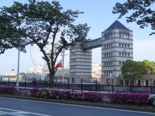 อาคารที่ Minato Mirai 21