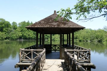 <p>A wooden pavilion offers great views of the pond.</p>