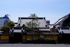 Inner temple buildings of Honno-ji