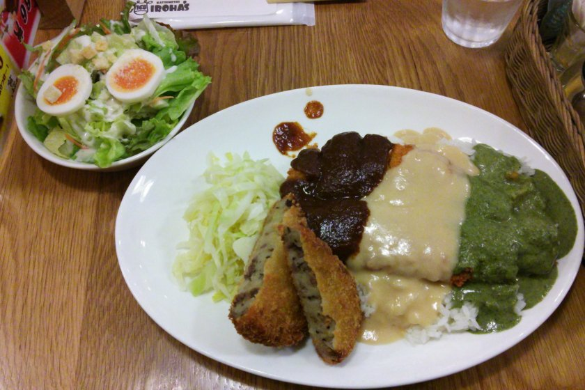 The triple katsumeshi, with white, red and green sauce, a croquette and a caesar salad, all delicious.
