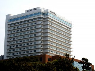 The main building of the Seaside Hotel Maiko Villa