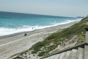 Habushiura beach is a world-renowned surfing spot.