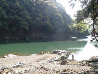 แม่น้ำโฮะซุ ( Hozu)
