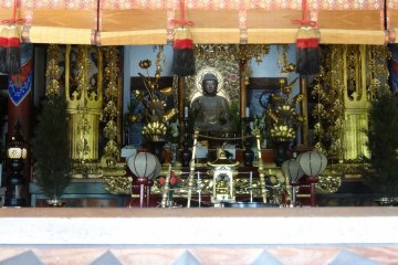 <p>Buddha statue at the temple</p>