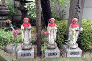 Buddhist figures and statuary are common sights