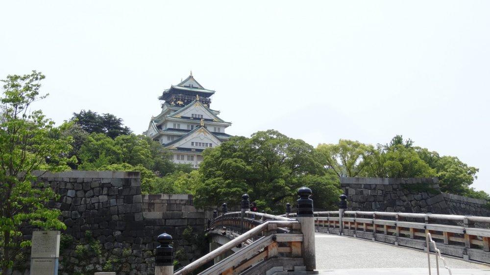ปราสาทโอซาก้า เป็นปราสาทที่มีชื่อเสียงที่สุดในญี่ปุ่น