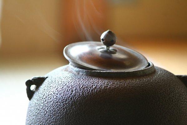 在茶道中, 連爐的煙都是優雅的