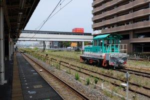 สถานี Kimitsu เดินทางด้วยรถไฟ JR จากโตเกียวมาราวชั่วโมงครึ่ง