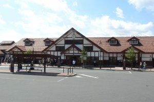 สถานีคะวะกุชิโกะ (Kawaguchiko) ริมทะเลสาปคะวะกุชิโกะ