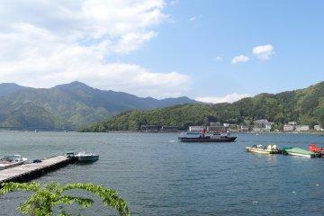<p>ทะเลสาปคะวะกุชิโกะ</p>