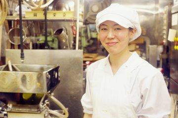 <p>Hamaguchi-san, the main chef at the Okanoeisen Bakery in Ueno</p>