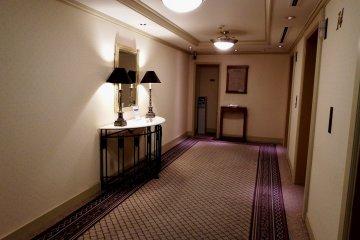 <p>Elevator hall</p>