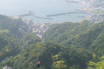 <p>Cable car ride to&nbsp;Nokogiriyama</p>