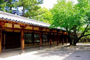 Cloisters surrounding Yume-dono Hall