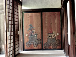 Some more unique images found in the same teahouse