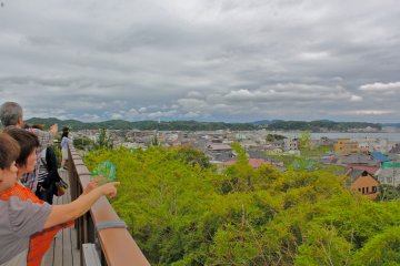 <p>Wonderful view of the City of Kamakura and Sagami Bay from the temple grounds.</p>