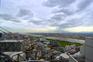 """วิวจากตึก """"Umeda Sky Building"""""""