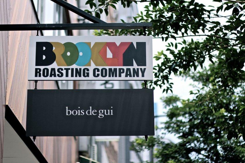 """ขอต้อนรับคุณเข้าสู่ร้านกาแฟบรรยากาศชิลล์ """"BROOKLYN ROASTING COMPANY"""""""