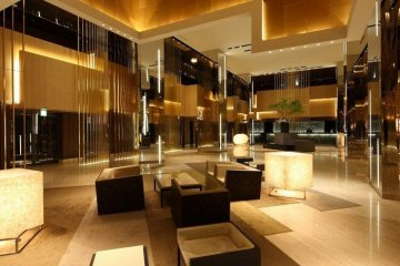 <p>Gold walls remind me of a kyoto palace painting</p>