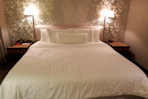 King-size bed in deluxe-double room at 41㎡ is heavenly!