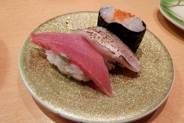 Kaiten Sushi 'Kitano-Oyaji' di Fukui