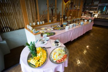 <p>Breakfast buffet in the morning</p>