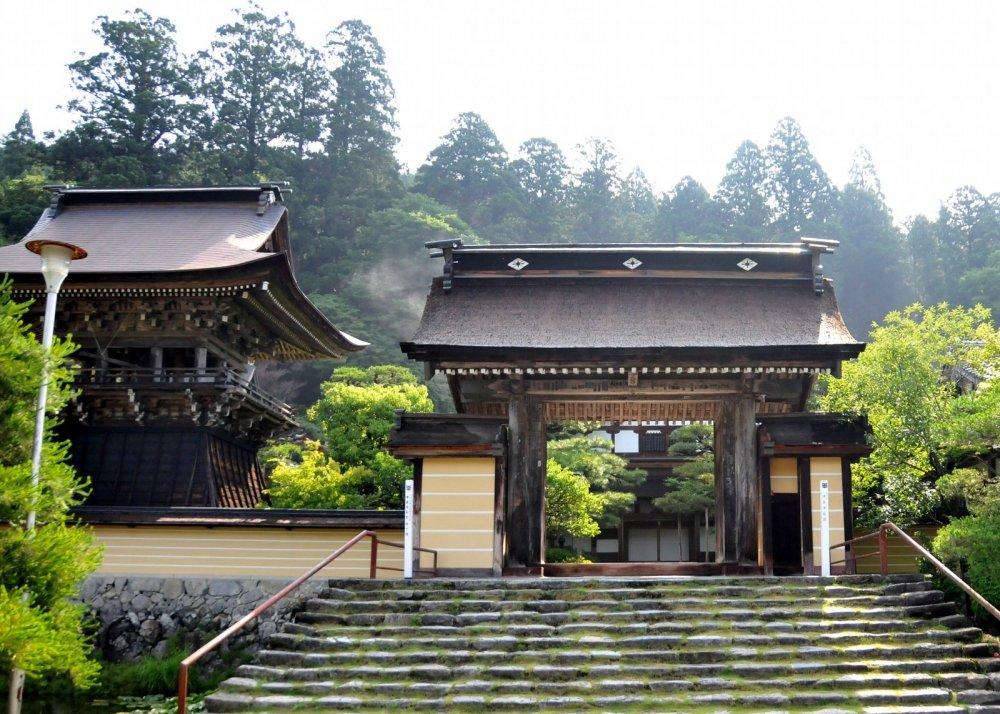 L'entrée principale - entrer dans cette section du temple est gratuit