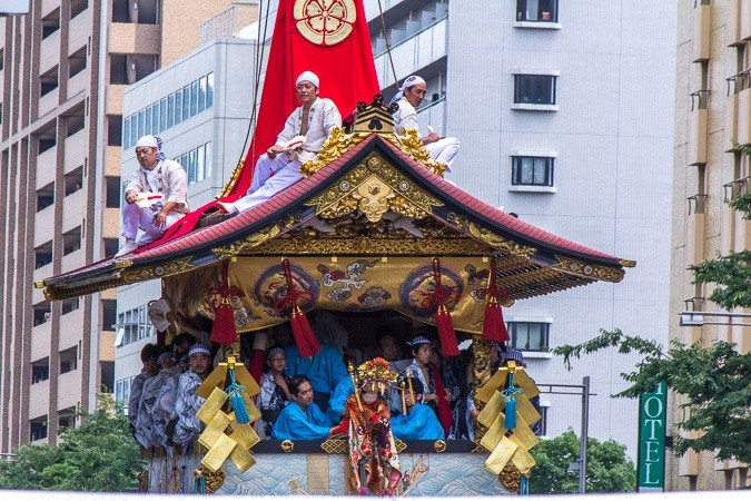 <p>Houka-hoko (放下鉾) During the Yamaboko Junko (山鉾巡行) in Kyoto, 2012! This float derives its name from the small image of a Hoka-so priest near the middle of its center pole. Hoka-so appeared in the mid-Muromachi period (15th century) and are groups of Buddhist monks who traveled from place to place in rural Japan entertaining local people by performing a variety of stunts for the purpose of disseminating their faith</p>