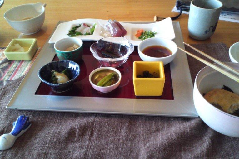 ร้านอาหารฮินาตะ ชิซูกุ คาอิเซอิ