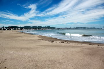 Miurakaigan Beach in Miura City is the largest and most popular beach on the peninsula attracting surfers and high speed watercraft