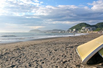 Morito Beach in Hayamais an intimate, pet-friendly beach with silky soft sands. Great for surfers and swimmers alike.